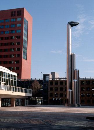 the-Asylum-1996-rvs-brons-joost-van-den-toorn